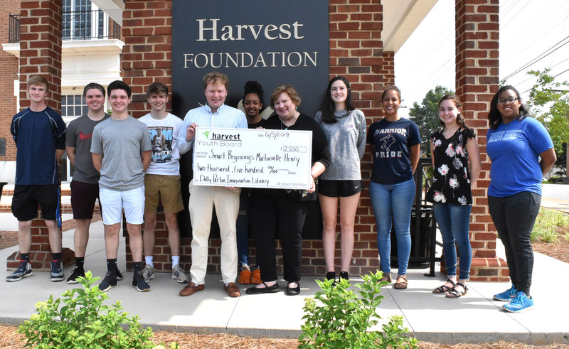 Harvest Youth Board grants Smart Beginnings $2,500 for youth literacy